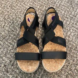 Adrienne Vittadini Black sandal